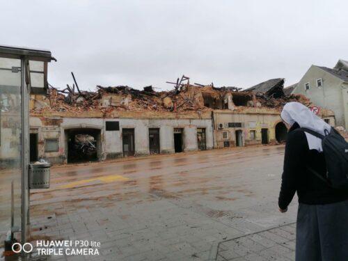 Sestre sa Sušaka pomažu stradalima u potresu