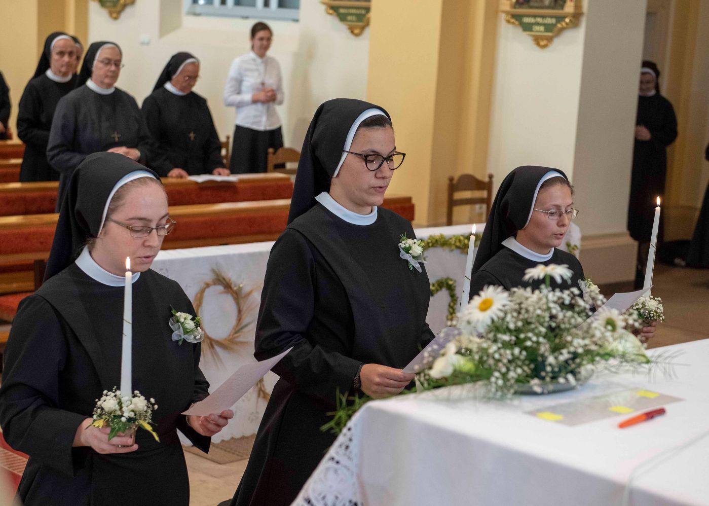 Slavlje Prvih zavjeta sestara u Đakovu