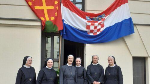 Doček s. Marije Brizar i s. Lucile Zovak u Đakovu