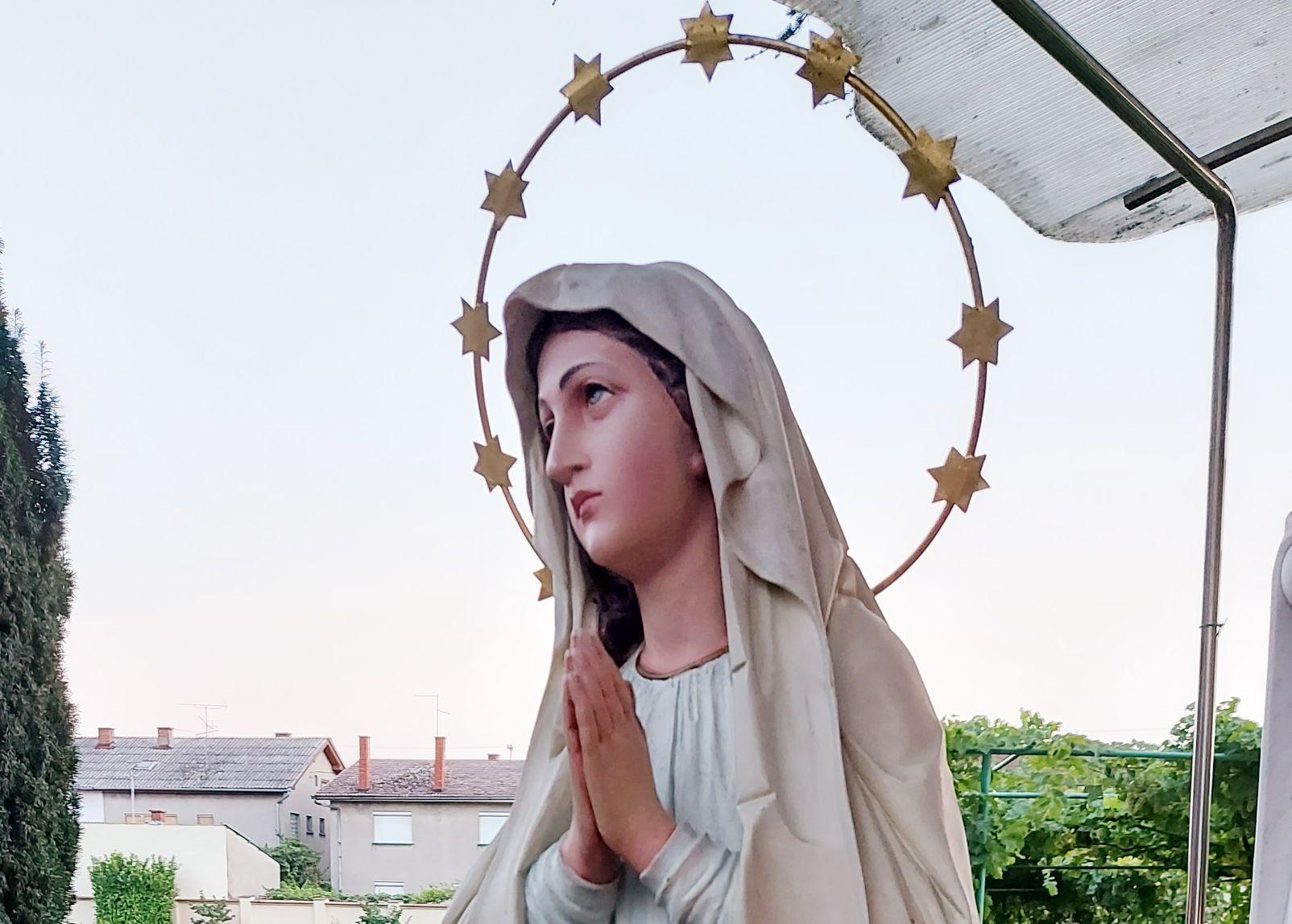 Trenutno pregledavate Proslava Velike Gospe 2021. godine u đakovačkom samostanu